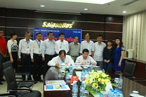 Lễ ký kết Hợp đồng Hợp tác Kinh doanh Quảng cáo giữa PVOIL Lube và Sài Gòn Bus